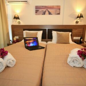 Room (2) standard GV